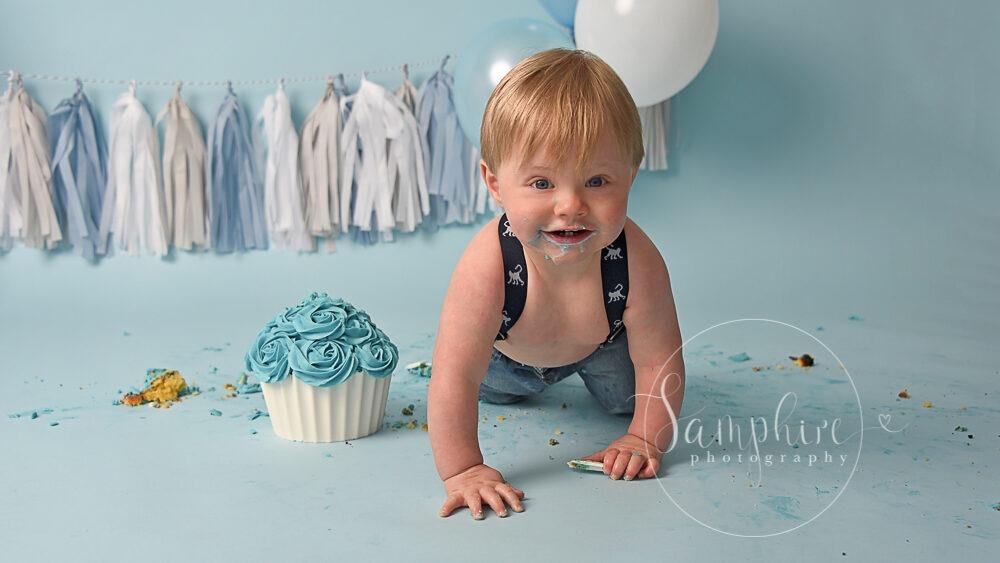 styled cake smash horsham by samphire photography
