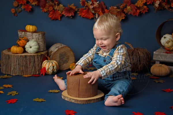 Cake Smash Autumn Pumpkins, by Samphire Photography