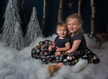 sisters christmas session woodland winter scene wonderland sussex