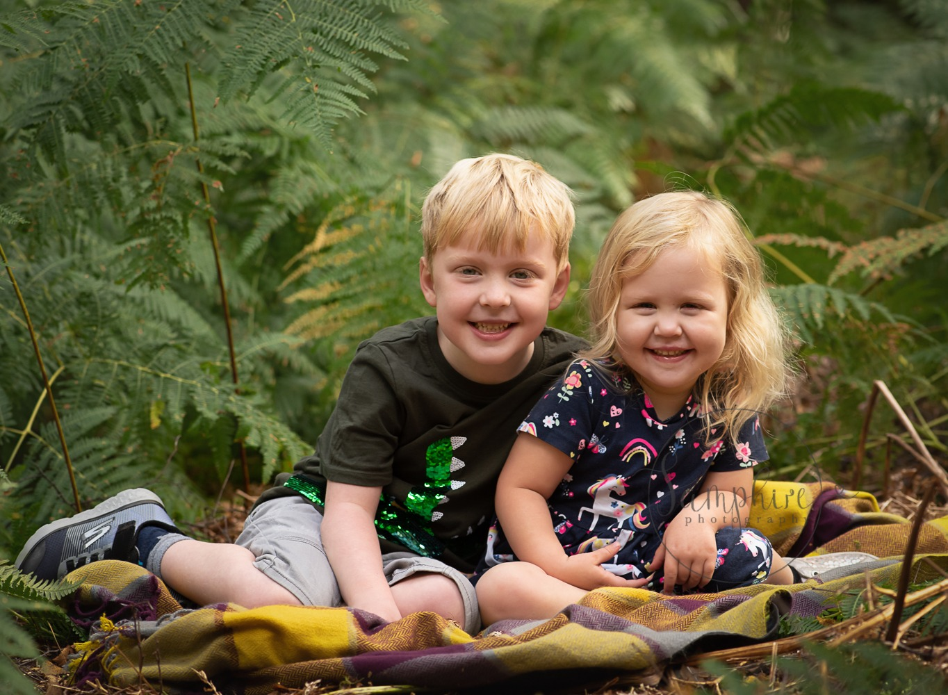 experienced portrait photographer Sussex Samphire Photography family outdoor location 2019