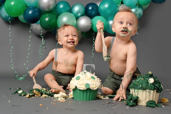 Bespoke Cake Smash for Twins, by Samphire Photography