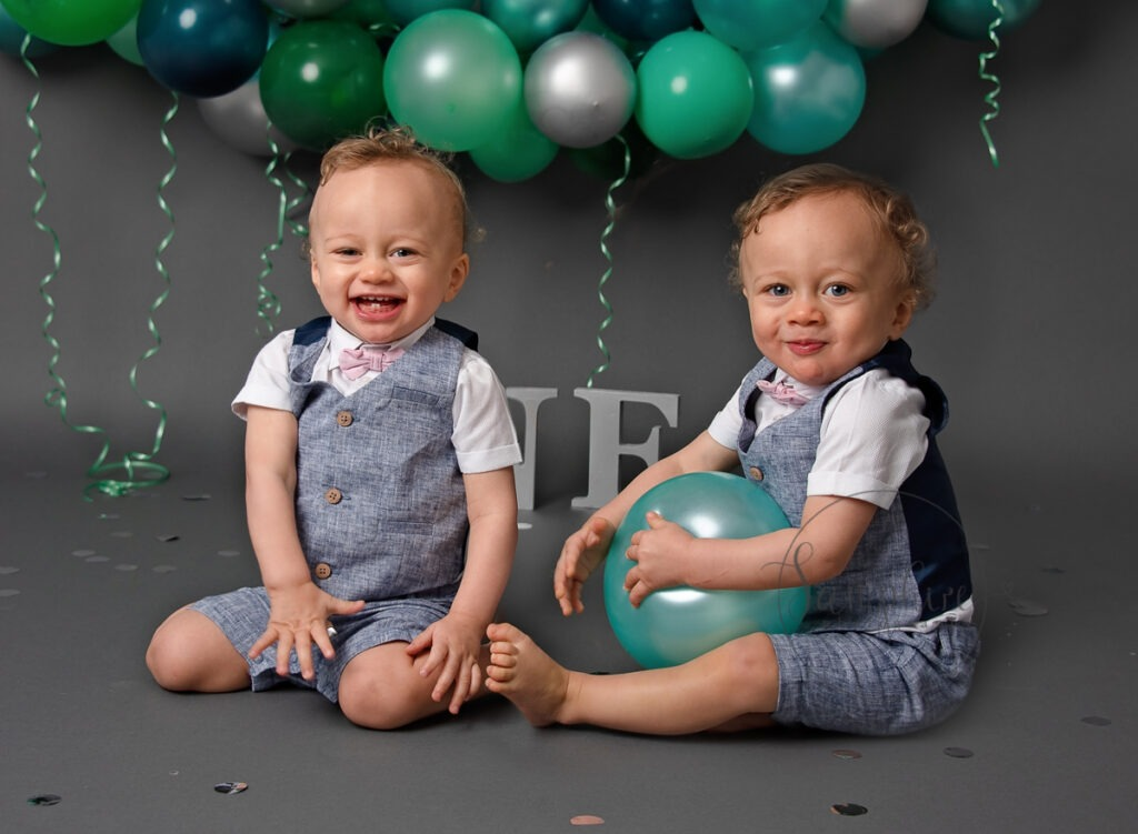 bespoke cake smash for twins